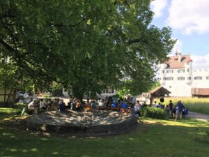 Premiere vor dem Schloss Altenklingen